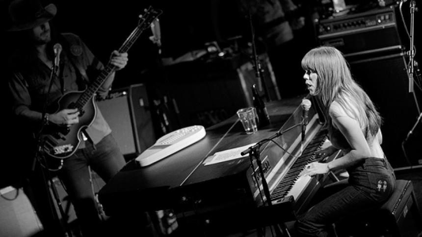 Jenny Lewis aflyser Beatday-koncert