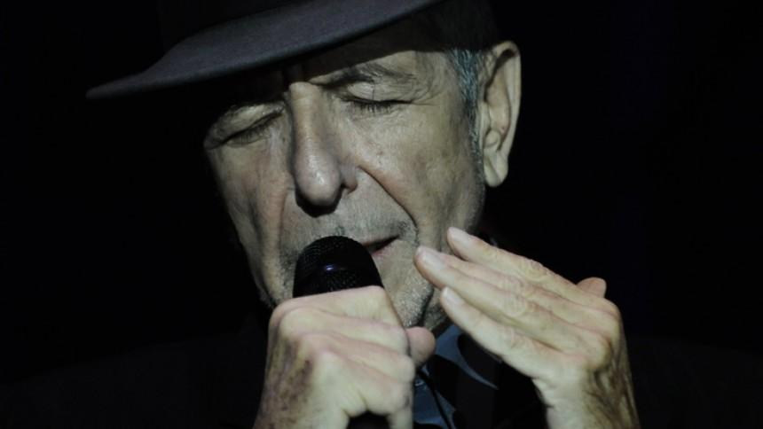 Leonard Cohen udskyder sin Europaturné