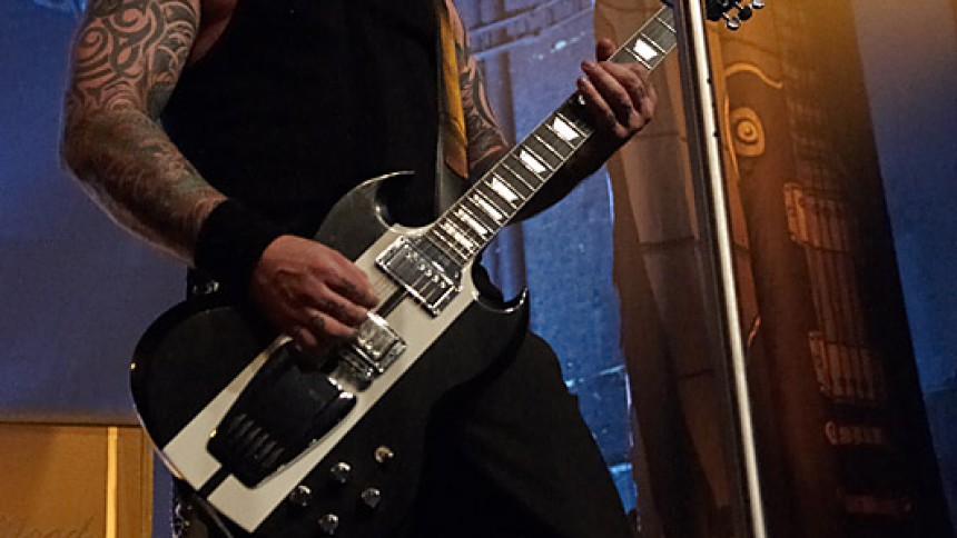Volbeats frontmand kollapser på scenen