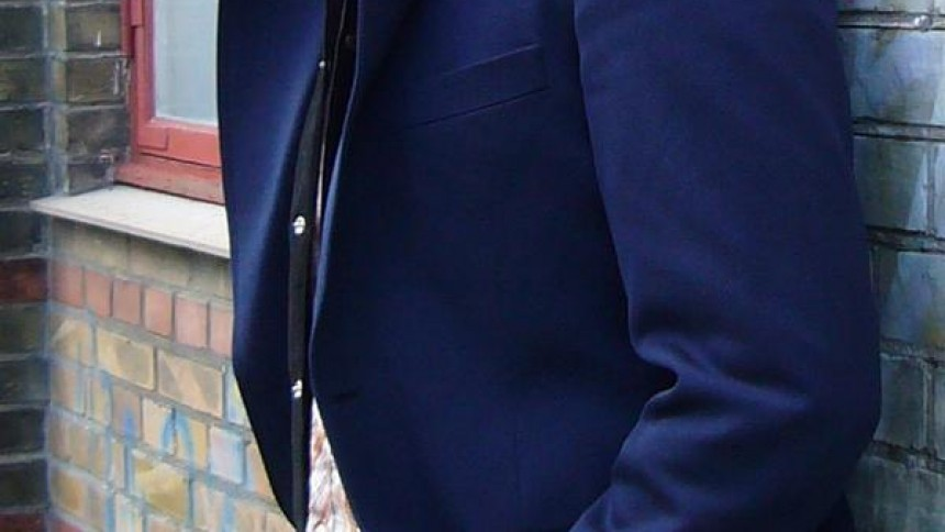 Tue West er Lige Ved og Næsten i maj