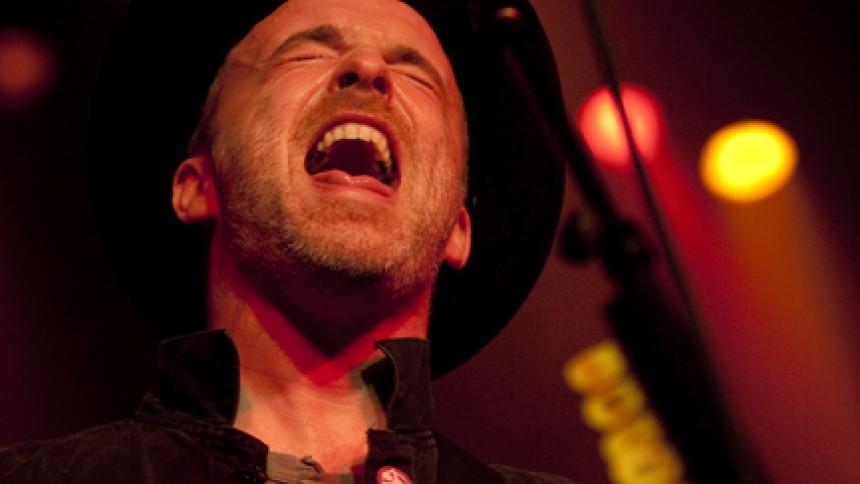 Fran Healy tager på akustisk turné