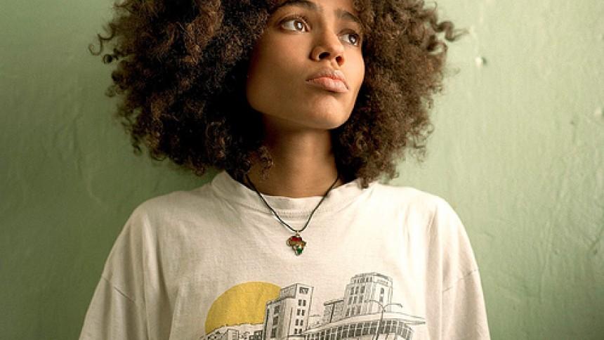 Nneka spiller på Rust