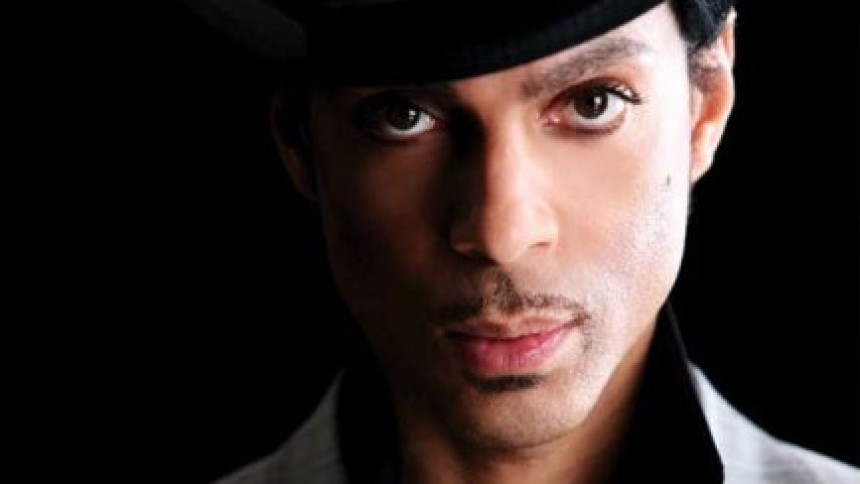 Prince giver også sit nye album væk i England
