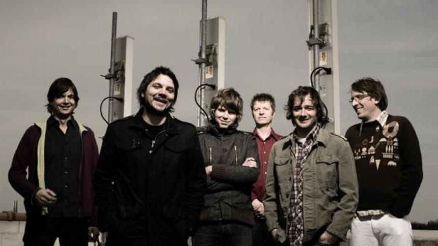 Wilco forærer ny sang væk