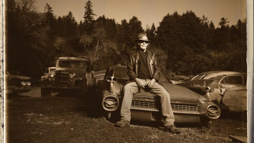 Neil Young udsender fire glemte plader