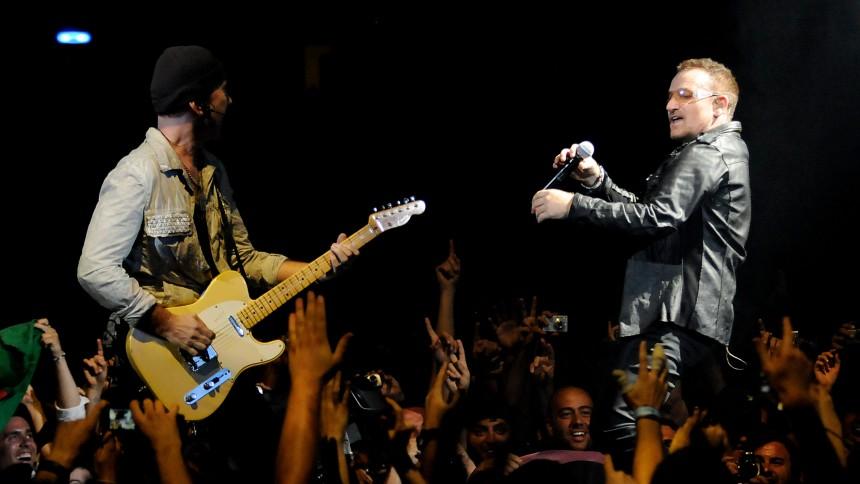 U2 åbnede verdensturnéen i Barcelona