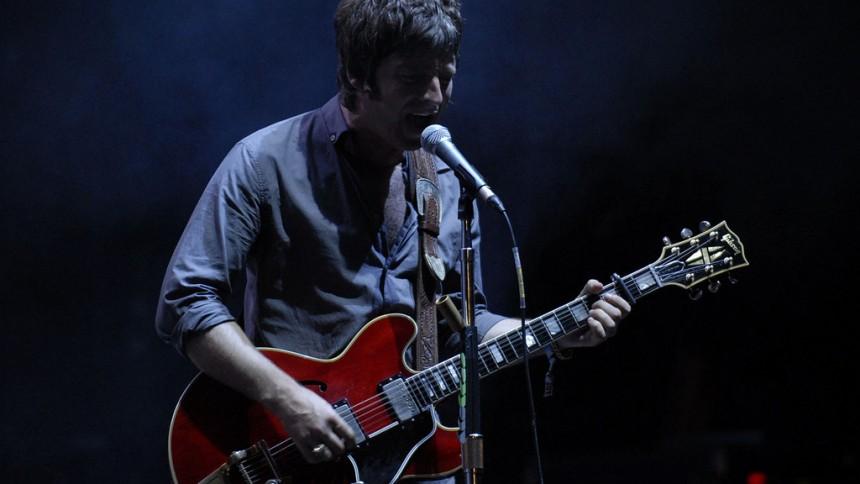 Noel Gallagher lufter soloplaner