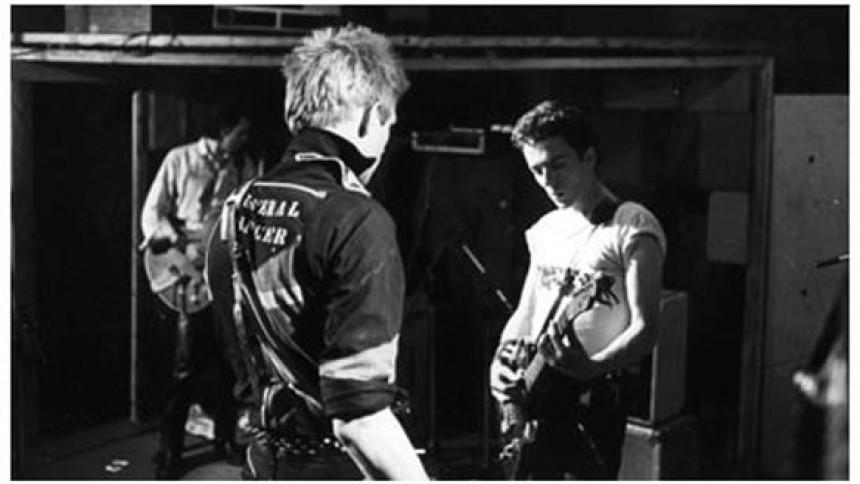 Brev fortæller, hvorfor The Clashs debutplade var to år forsinket i USA