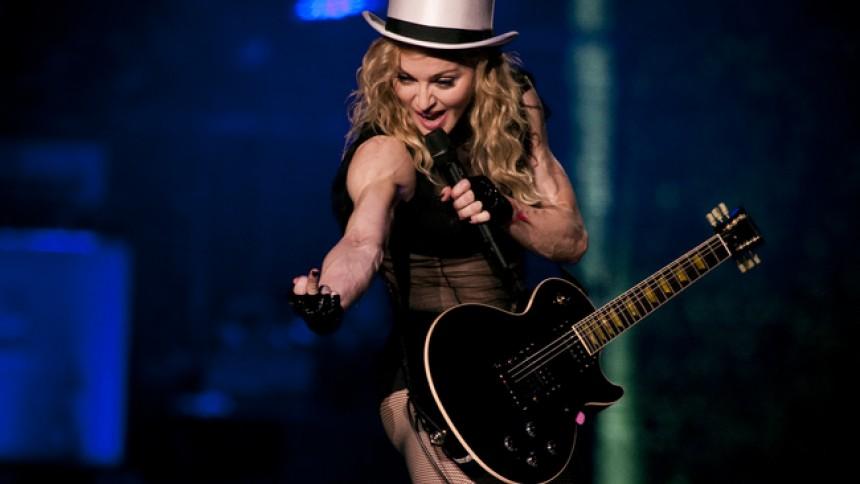 Madonna blander hiphop og rock på næste album