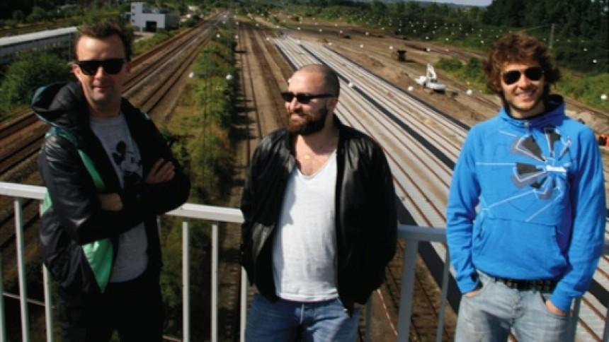 Death To Frank Ziyanak kombinerer turné med ny udgivelse