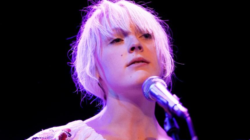 Laura Marling sætter dato på ny plade