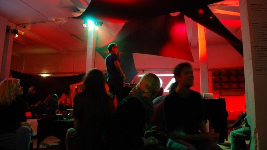 Reportage: APART-festival hos Platform 4 i Aalborg