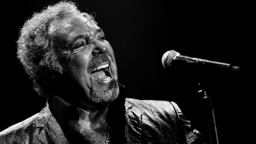 Tom Jones giver dansk koncert