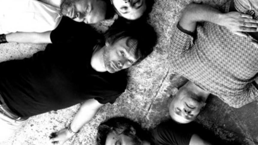 Flea hjælper Thom Yorke