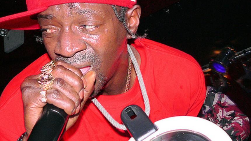 Public Ememy-rapper møder voldsanklager