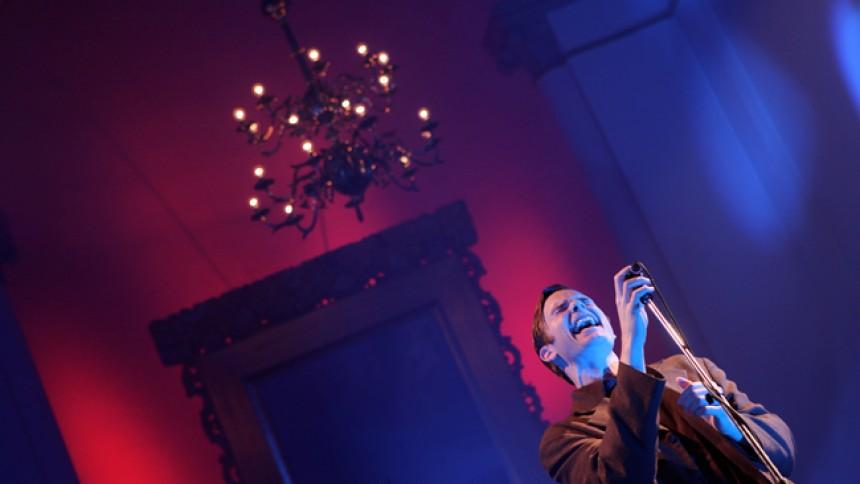 Martin Hall giver klassiske spoken word-koncerter