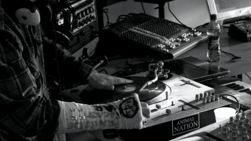 Kosmiske dj's lægger gratisalbum ud