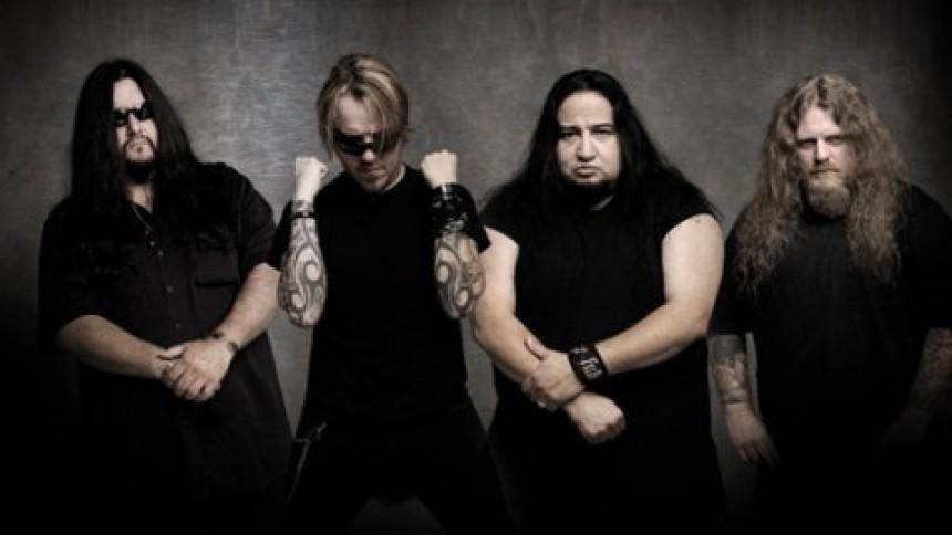 Fear Factory aflyser koncert