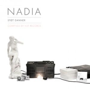 Diverse Kvindelige Kunstnere: Nadia - støt Danner