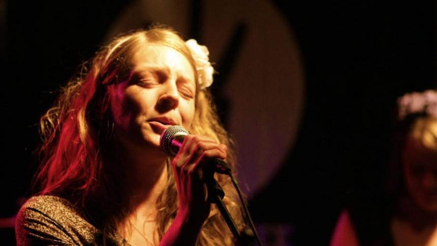 Maria Timm – Mere rock, når vi spiller live