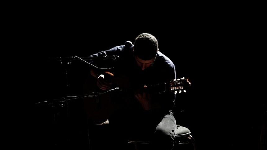 José González giver endnu en koncert