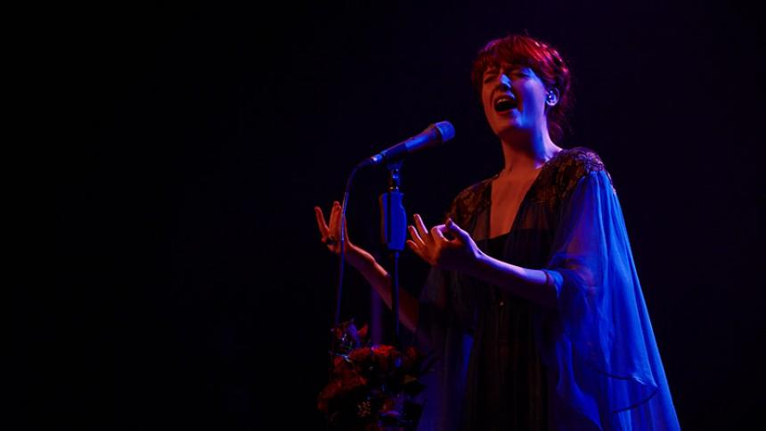 Florence And The Machine lader sig inspirere af atomfysikken