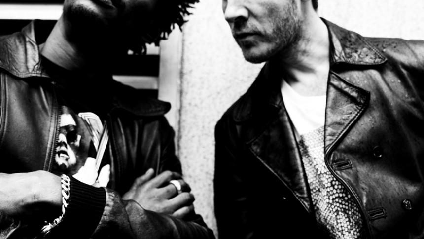 Massive Attack - I Helgoland splitter de atomer