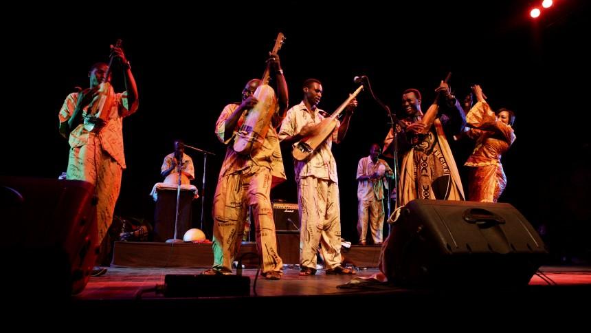 Tre eksotiske navne til Roskilde Festival 2010
