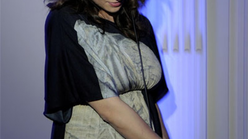 Asia Argento giver dj-set