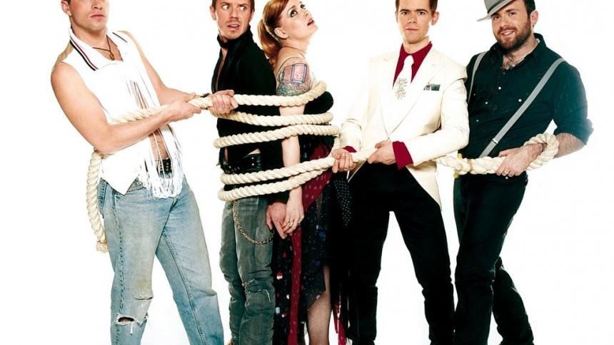 Elton John ikke tilfreds med Scissor Sisters