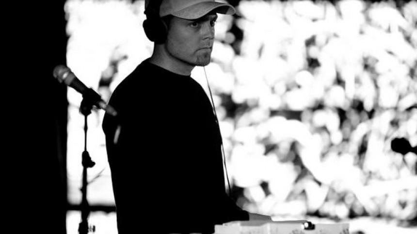 DJ Shadow er halvt færdig