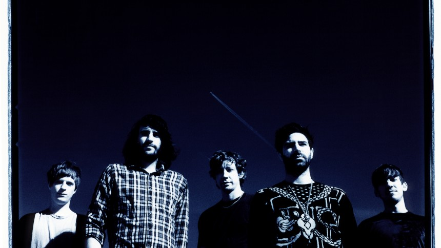 Foals varmer op for Snow Patrol