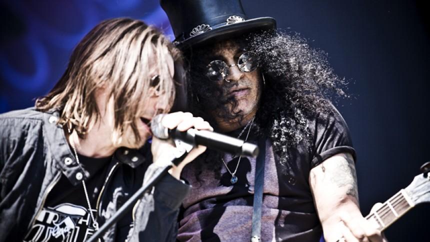 Slash overfaldet på scenen