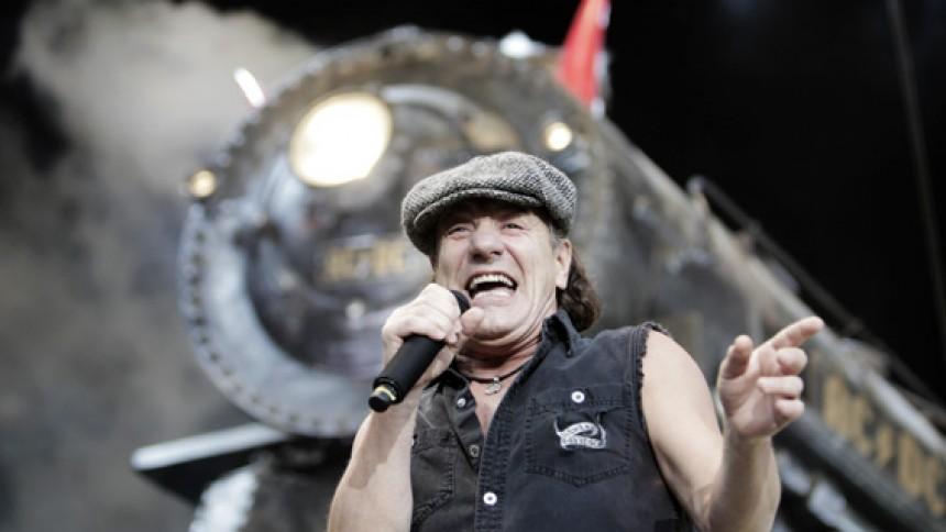 AC/DC udsender livealbum