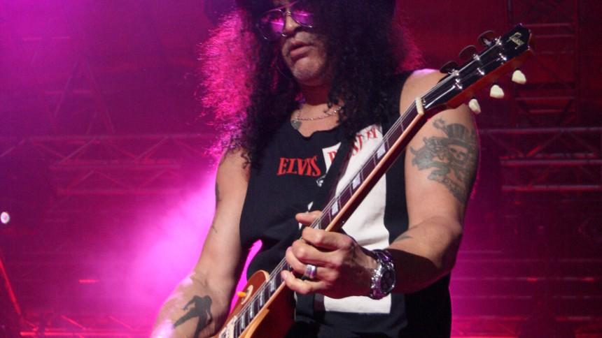 Slash udgiver liveplade