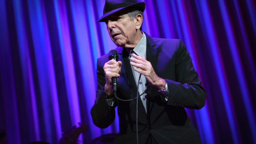Oplev Leonard Cohen som teaterkoncert