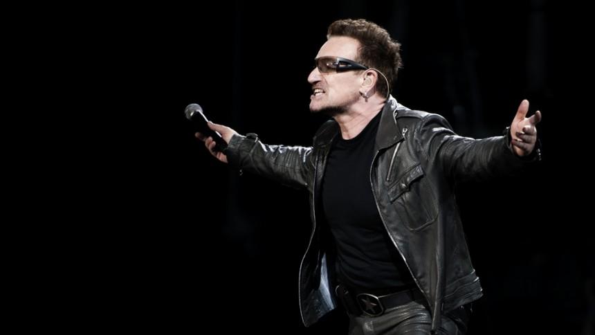 Bono jagtet af tyske aktivister