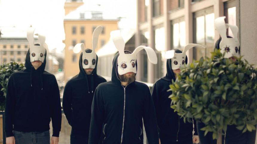 Sleep Party People - Der er kun musikken og kaninørerne