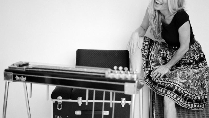 Darleens-guitarist udgiver soloalbum med Calexico og Mark Lanegan
