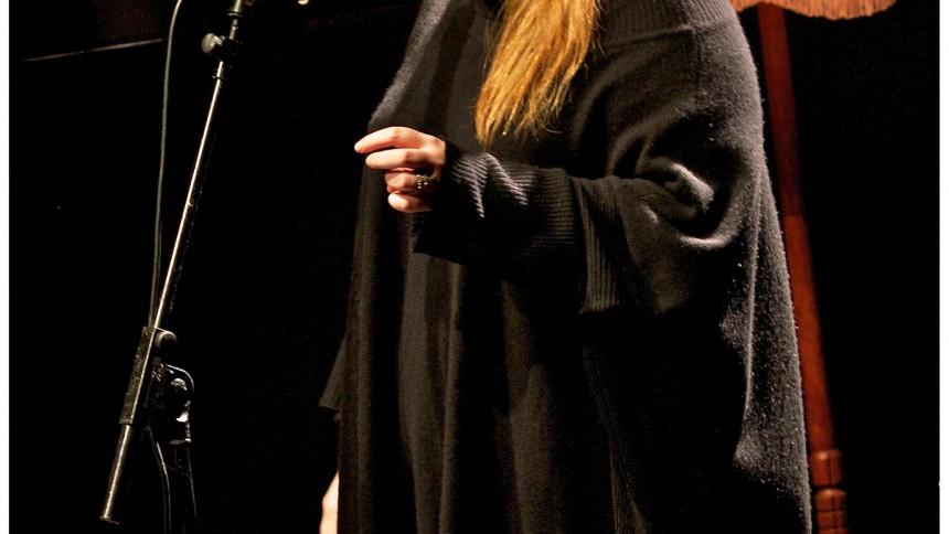 Adele får tre gange guld i Danmark