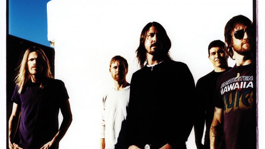 Foo Fighters – Med begge ben på jorden