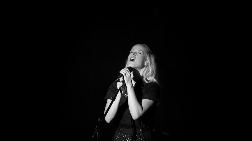 Tina Dickow: DR's Koncertsal, København