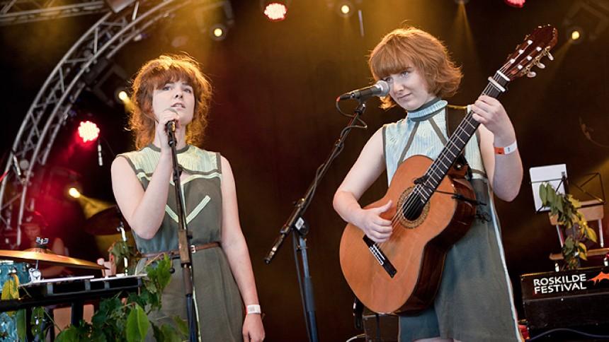 Kirsten og Marie: Roskilde Festival, Pavilion Junior