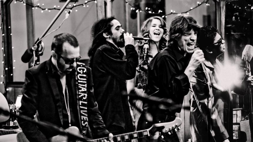 Mick Jagger, Joss Stone, Damian Marley med flere danner supergruppe