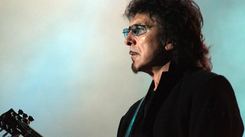 Black Sabbath-guitarist ramt af kræft