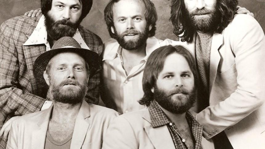The Beach Boys udgiver bokssæt og håber på genforening