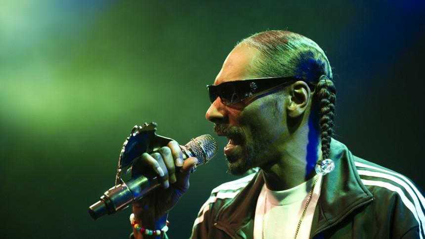 Onkel Snoop holder gryden i kog på potent parantes