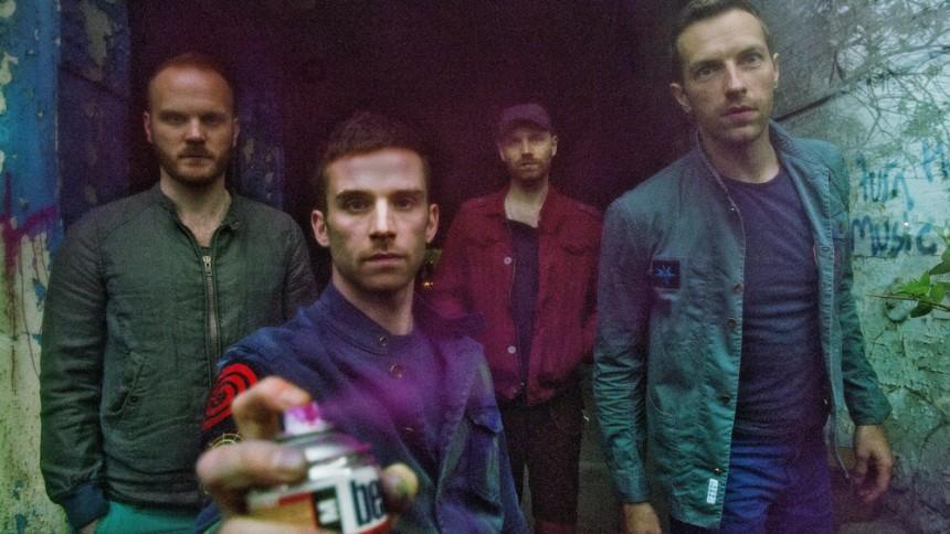 """Lyt til Coldplays nye sang """"Don't Let It Break Your Heart"""""""
