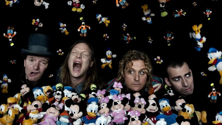 D-A-D: School's Out - på dametur i Disneyland