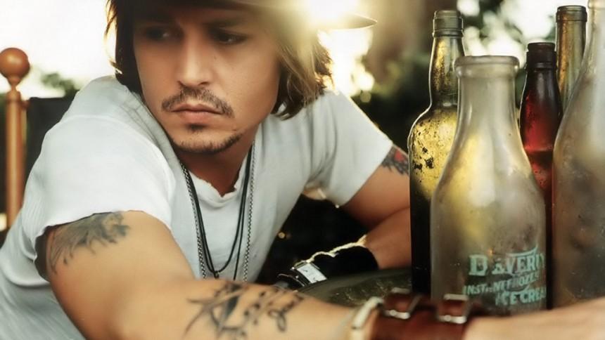 Johnny Depp og Babybird forarger kristne